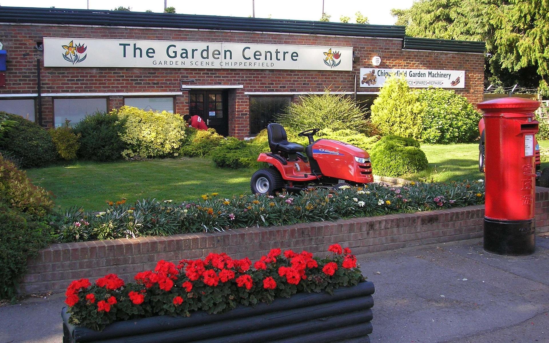 Garden Scene Chipperfield, Chapel Croft, Chipperfield, Kings Langley, Herts., WD4 9EG, UK